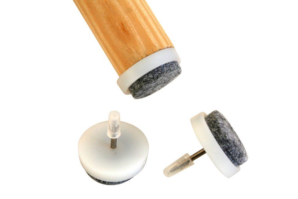 Kratzer im Holzboden vermeiden durch Filzgleiter